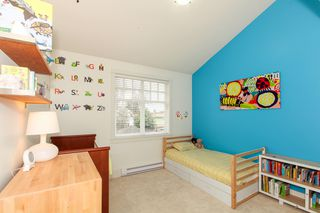 Photo 18: 425 W 16TH AV in Vancouver: Mount Pleasant VW House 1/2 Duplex for sale (Vancouver West)  : MLS®# V1122610