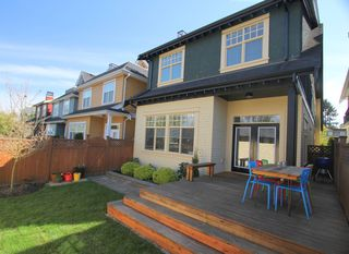 Photo 3: 425 W 16TH AV in Vancouver: Mount Pleasant VW House 1/2 Duplex for sale (Vancouver West)  : MLS®# V1122610