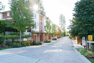 Photo 2: 10 2929 156 STREET in Surrey: Grandview Surrey Townhouse for sale (South Surrey White Rock)  : MLS®# R2110327