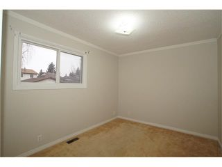 Photo 7: 224 BEDFORD PL NE in Calgary: Beddington Heights House for sale : MLS®# C4109208