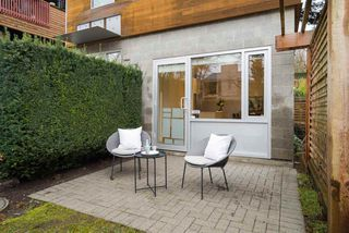 Photo 16: 404 E 10TH AVENUE in Vancouver: Mount Pleasant VE House 1/2 Duplex for sale (Vancouver East)  : MLS®# R2244981