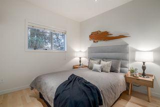 Photo 8: 404 E 10TH AVENUE in Vancouver: Mount Pleasant VE House 1/2 Duplex for sale (Vancouver East)  : MLS®# R2244981