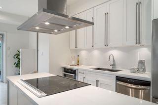 Photo 5: 404 E 10TH AVENUE in Vancouver: Mount Pleasant VE House 1/2 Duplex for sale (Vancouver East)  : MLS®# R2244981