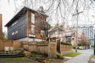 Photo 17: 404 E 10TH AVENUE in Vancouver: Mount Pleasant VE House 1/2 Duplex for sale (Vancouver East)  : MLS®# R2244981