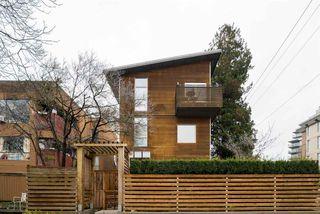 Photo 18: 404 E 10TH AVENUE in Vancouver: Mount Pleasant VE House 1/2 Duplex for sale (Vancouver East)  : MLS®# R2244981