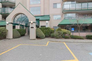 Photo 2: 320 2962 TRETHEWEY STREET in Abbotsford: Abbotsford West Condo for sale : MLS®# R2259674
