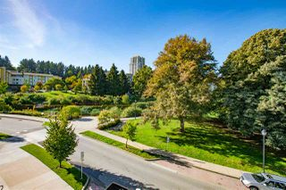 Photo 1: 306 28 E ROYAL AVENUE in New Westminster: Queens Park Condo for sale : MLS®# R2302546