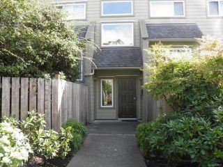 Photo 1: 102A 2250 Manor Pl in COMOX: CV Comox (Town of) Condo for sale (Comox Valley)  : MLS®# 823177