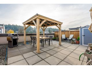 "Main Photo: 4005 84 GRANT Street in Port Moody: Port Moody Centre Condo for sale in ""LIGHTHOUSE"" : MLS®# R2421320"