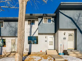 Photo 2: 21 800 BOWCROFT Place: Cochrane Row/Townhouse for sale : MLS®# C4280696