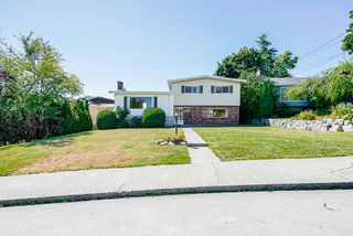 "Photo 3: 6541 SUMAS Drive in Burnaby: Parkcrest House for sale in ""Parkcrest"" (Burnaby North)  : MLS®# R2483093"