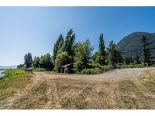 Photo 28: 40160 SOUTH PARALLEL Road in Abbotsford: Sumas Prairie Manufactured Home for sale : MLS®# R2487480