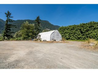 Photo 31: 40160 SOUTH PARALLEL Road in Abbotsford: Sumas Prairie Manufactured Home for sale : MLS®# R2487480
