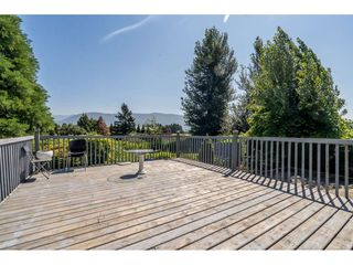 Photo 37: 40160 SOUTH PARALLEL Road in Abbotsford: Sumas Prairie Manufactured Home for sale : MLS®# R2487480