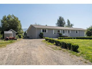 Photo 2: 40160 SOUTH PARALLEL Road in Abbotsford: Sumas Prairie Manufactured Home for sale : MLS®# R2487480
