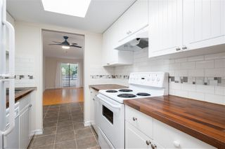 """Photo 8: 102 1341 GEORGE Street: White Rock Condo for sale in """"Oceanview"""" (South Surrey White Rock)  : MLS®# R2527768"""
