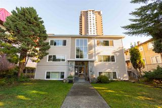 "Main Photo: 8 1420 CHESTERFIELD Avenue in North Vancouver: Central Lonsdale Condo for sale in ""SUNDALE"" : MLS®# R2530291"