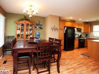 """Photo 2: 62 17097 64TH Avenue in Surrey: Cloverdale BC Townhouse for sale in """"KENTUCKY"""" (Cloverdale)  : MLS®# F1212337"""