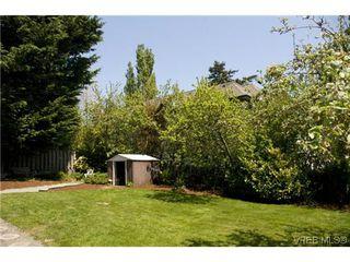 Photo 18: 970 Annie St in VICTORIA: SE Quadra Half Duplex for sale (Saanich East)  : MLS®# 606307