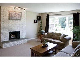 Photo 5: 970 Annie Street in VICTORIA: SE Quadra Strata Duplex Unit for sale (Saanich East)  : MLS®# 309084