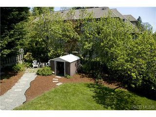 Photo 11: 970 Annie St in VICTORIA: SE Quadra Half Duplex for sale (Saanich East)  : MLS®# 606307