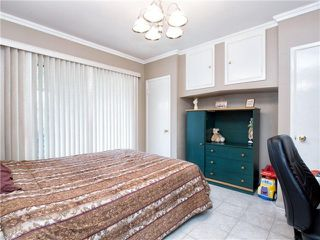 Photo 4: 4525 PARKER Street in Burnaby: Brentwood Park House for sale (Burnaby North)  : MLS®# V988069