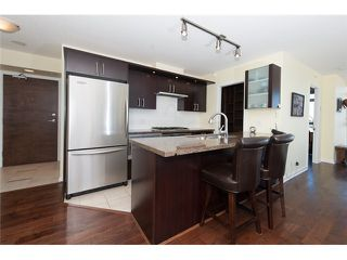 Photo 4: # 905 1650 W 7TH AV in Vancouver: Fairview VW Condo for sale (Vancouver West)  : MLS®# V996225