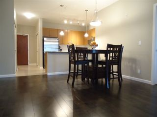 Photo 3: 211 10180 153 STREET in Surrey: Guildford Condo for sale (North Surrey)  : MLS®# R2024981
