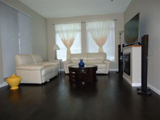 Photo 2: 211 10180 153 STREET in Surrey: Guildford Condo for sale (North Surrey)  : MLS®# R2024981