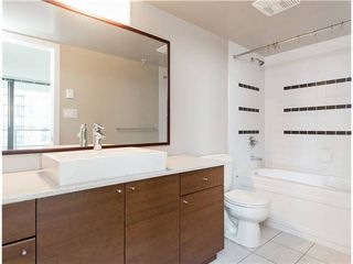 Photo 9: : Burnaby Condo for rent : MLS®# AR103