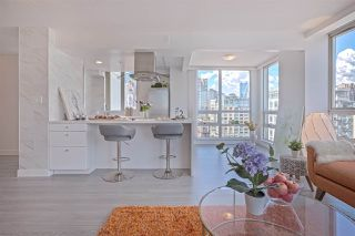 Photo 7: 1602 1201 MARINASIDE Crescent in Vancouver: Yaletown Condo for sale (Vancouver West)  : MLS®# R2401995