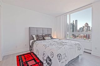 Photo 13: 1602 1201 MARINASIDE Crescent in Vancouver: Yaletown Condo for sale (Vancouver West)  : MLS®# R2401995