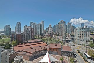 Photo 19: 1602 1201 MARINASIDE Crescent in Vancouver: Yaletown Condo for sale (Vancouver West)  : MLS®# R2401995