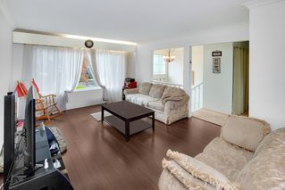 Photo 10: 1138 DANSEY Avenue in Coquitlam: Central Coquitlam House for sale : MLS®# R2405205