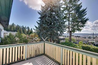 Photo 5: 1138 DANSEY Avenue in Coquitlam: Central Coquitlam House for sale : MLS®# R2405205