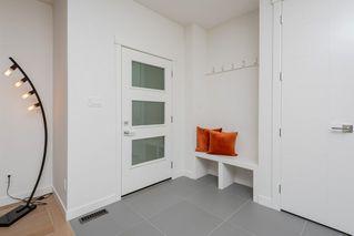 Photo 4: 10504 85 Avenue in Edmonton: Zone 15 House Half Duplex for sale : MLS®# E4173956