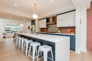 Photo 8: 10504 85 Avenue in Edmonton: Zone 15 House Half Duplex for sale : MLS®# E4173956