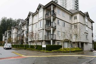 Photo 1: 213 14877 100 Avenue in Surrey: Guildford Condo for sale (North Surrey)  : MLS®# R2443818