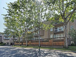 "Photo 14: 209 1860 E SOUTHMERE Crescent in Surrey: Sunnyside Park Surrey Condo for sale in ""Southmere Villa"" (South Surrey White Rock)  : MLS®# R2460856"