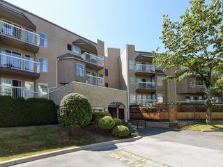 "Photo 20: 209 1860 E SOUTHMERE Crescent in Surrey: Sunnyside Park Surrey Condo for sale in ""Southmere Villa"" (South Surrey White Rock)  : MLS®# R2460856"
