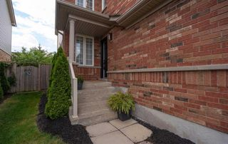 Photo 1: 35 Shasta Crescent in Whitby: Williamsburg House (2-Storey) for sale : MLS®# E4811654