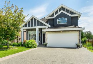Photo 1: 7956 170A Street in Surrey: Fleetwood Tynehead House for sale : MLS®# R2472230