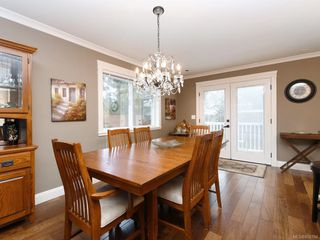 Photo 5: 1279 Geric Pl in : SW Strawberry Vale House for sale (Saanich West)  : MLS®# 850780