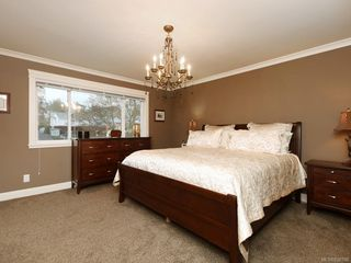 Photo 10: 1279 Geric Pl in : SW Strawberry Vale House for sale (Saanich West)  : MLS®# 850780