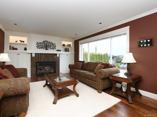 Photo 6: 1279 Geric Pl in : SW Strawberry Vale Single Family Detached for sale (Saanich West)  : MLS®# 850780
