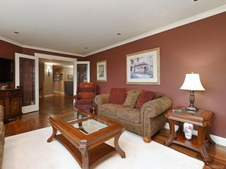 Photo 7: 1279 Geric Pl in : SW Strawberry Vale Single Family Detached for sale (Saanich West)  : MLS®# 850780