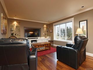 Photo 9: 1279 Geric Pl in : SW Strawberry Vale House for sale (Saanich West)  : MLS®# 850780