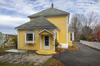 Photo 2: 48 Maple Street in Mahone Bay: 405-Lunenburg County Residential for sale (South Shore)  : MLS®# 202022614