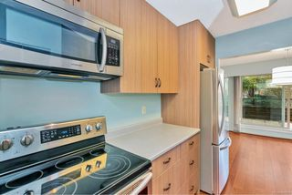 Photo 9: 212 1419 Stadacona Ave in : Vi Fernwood Condo for sale (Victoria)  : MLS®# 860894