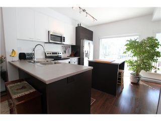 "Photo 4: 1002 2655 BEDFORD Street in Port Coquitlam: Central Pt Coquitlam Townhouse for sale in ""WESTWOOD"" : MLS®# V1073660"